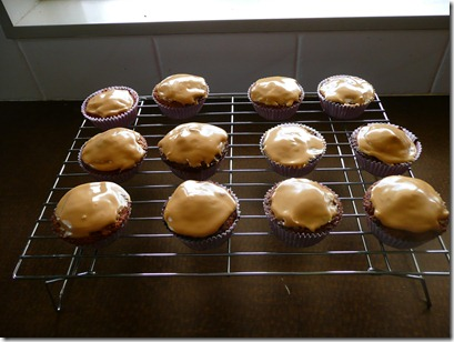coffee raisin cupcakes 033
