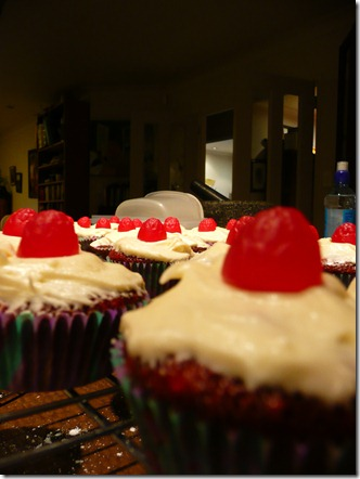 red velvet cupcakes 061
